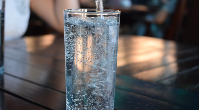 ce se intampla daca bei putina apa