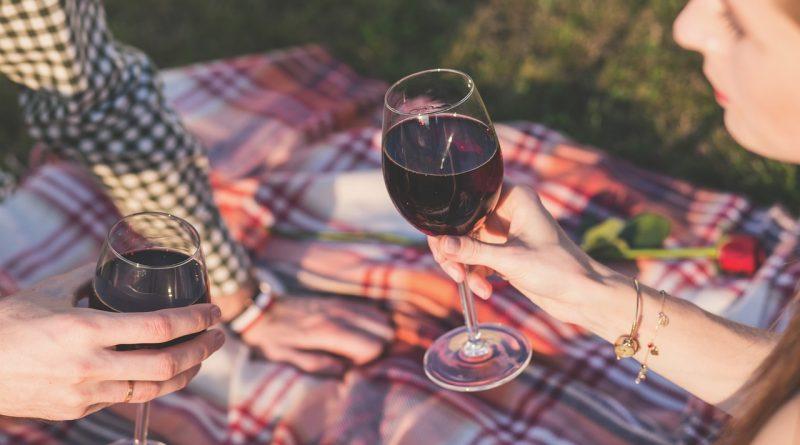 beneficiile vinului rosu