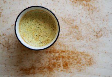 Latte cu turmeric – reteta momentului!