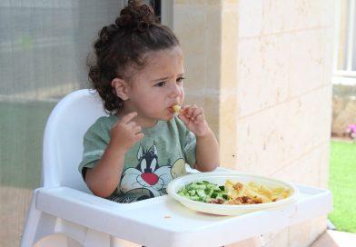 Alimentatia copilului. Atentie la consumul de carne procesata!