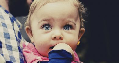 De ce sa tinem bebelusul in brate