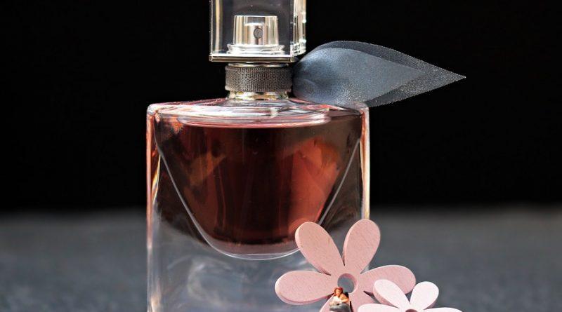 mirosul de parfum